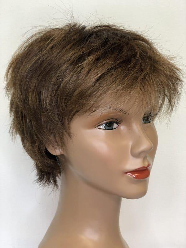 peluca sintetica corta